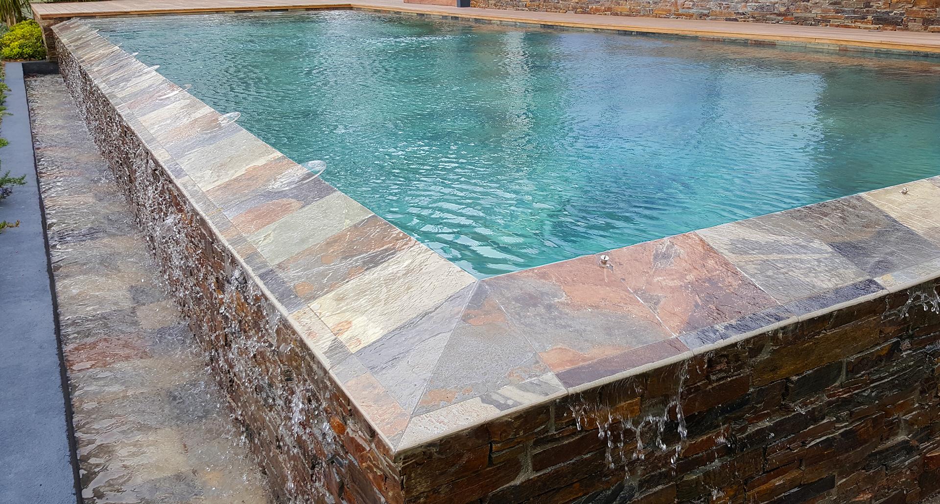 La pose du rev tement piscine - Revetement ideal pourtour de piscine ...